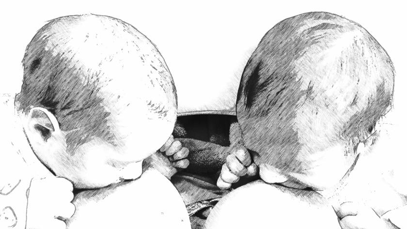 Leo y Bruno neonatos mamando