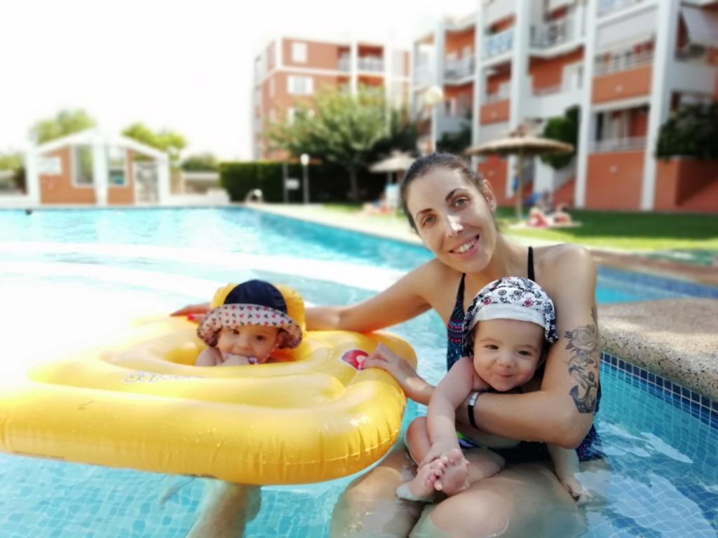 Eva Hernandez con los mellizos